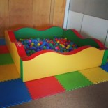 LARGE plastic ball pit