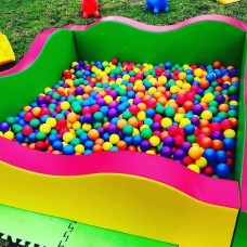 MEDIUM soft square ball pit